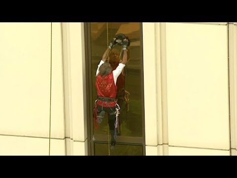 Robert - French climber Alain Robert, also known as 'Spiderman', scales the Galaxy Macau hotel during a promotional event for the new Spider-Man 2 movie. Duration: 01:27.