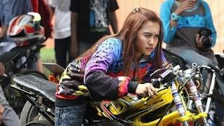 Video START Joki Cewek Pake NINJA Drag Bike Keren Motornya Monita PW MP3, 3GP, MP4, WEBM, AVI, FLV Oktober 2017