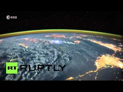 Astronaut Captures Dramatic Lightning Storms On Earth!