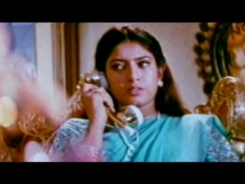 Swarnamukhi Movie || Suman Follow Sangavi Love Scene || Suman, Sai Kumar, Sangavi