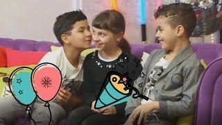 Video les BOYZ TV embrassent Kalys des STUDIO BUBBLE TEA-DEFIIIII MP3, 3GP, MP4, WEBM, AVI, FLV September 2017