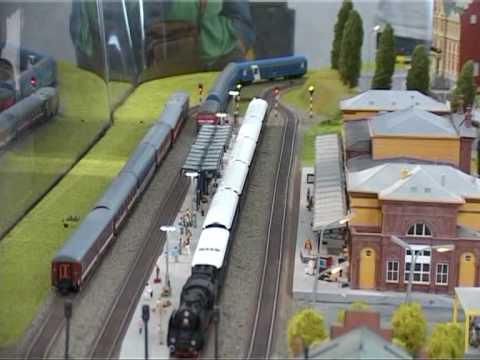 Expozitie in miniatura la gara din Sinaia