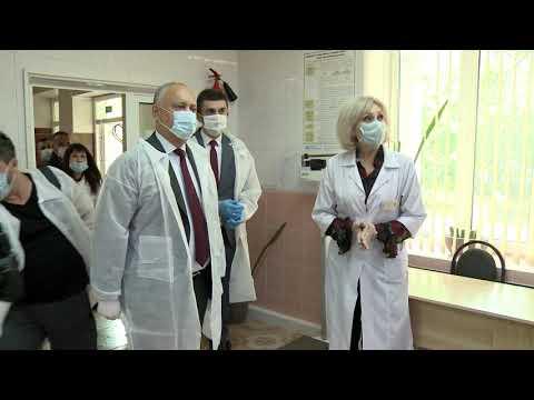 Президент посетил районную больницу им. Н. Тестемицану в Дрокии