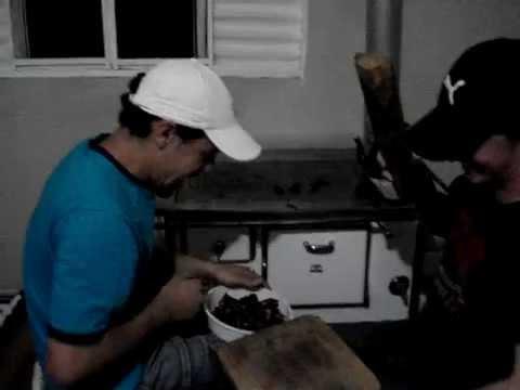 PINHÃO OSTENTAÇÃO NO VARGEÃO