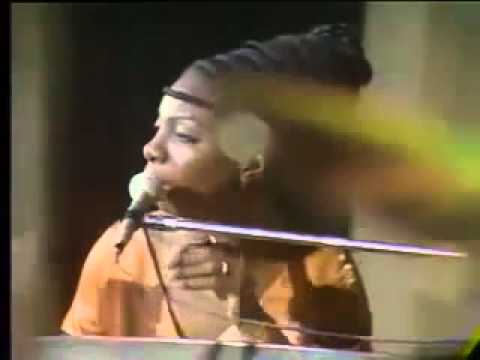 Tekst piosenki Nina Simone - Turn! Turn! Turn! po polsku
