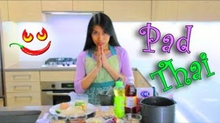 Learn How To Make Pad Thai Recipe Video - Thai Fried Noodles With Peanuts