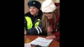 Gruby finał sylwestrowej imprezy! Policjanci nie mogli ogarnąć co odpi*rdalała ta dziewczyna!