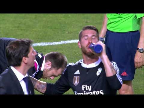Ramos con sangre en la nariz tras un choque con M'Bia
