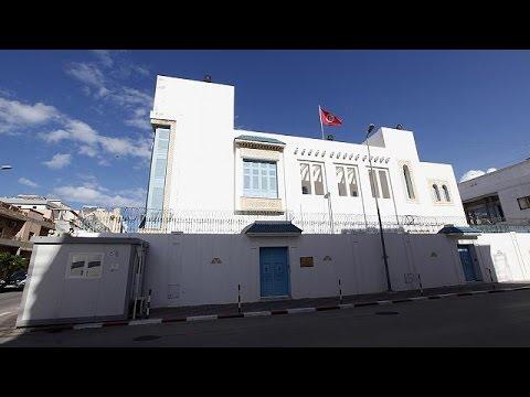 Λιβύη: Ένοπλοι απήγαγαν 10 άτομα από το προξενείο της Τυνησίας