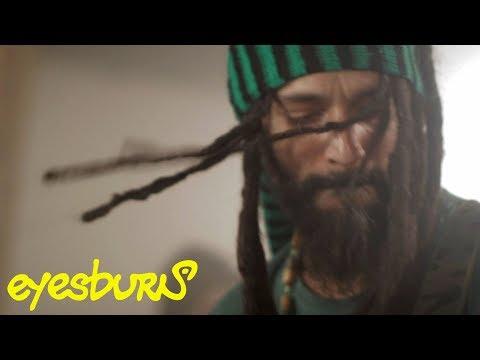 Eyesburn: Zasvetleo  'War Control'