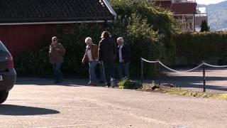 I Kveld Med Ylvis - Sparker Folk I Drøbak [hd]