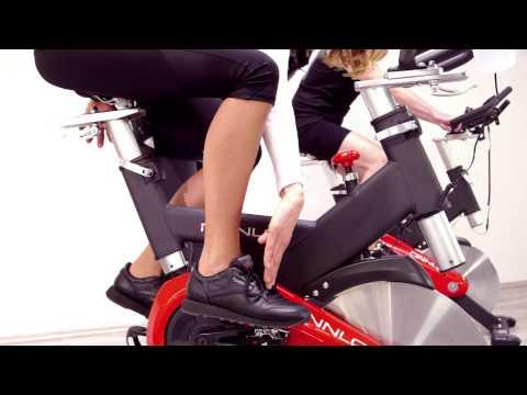 Finnlo Indoor Cycle Speed Racer CRT mit SPD-Klickpedalen, 3203