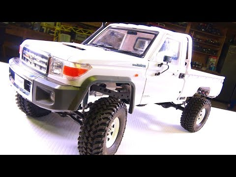LC70 Land Cruiser 4x4 Truck - Installing a Body Mount Kit from RC4WD | RC ADVENTURES (видео)