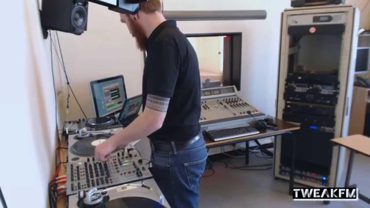 Rodhad - Live @ Tweak FM 2014