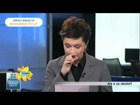 tvn - Więcej: http://dziendobry.tvn.pl Pomyłki, przejęzyczenia, nieprzewidziane zdarzenia, kłopoty techniczne, mistrzowie drugiego planu. Podczas programu nadawane...
