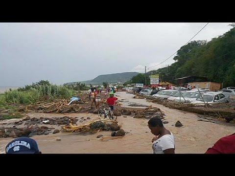 Tropska oluja oslabila ali 20 poginulo na Karibima