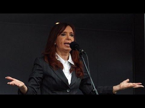 Αργεντινή: «Πολιτική δίωξη» βλέπει η Κριστίνα Φερντάντες Κίρχνερ