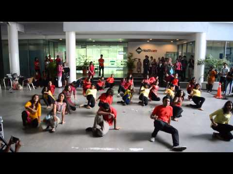 IMU Diwali Week 2014-Maaya Flash Mob Performance