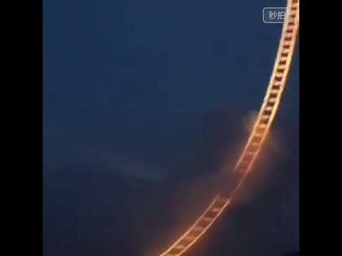Sky Ladder: Fuochi d'artificio in forma di scala verso il cielo