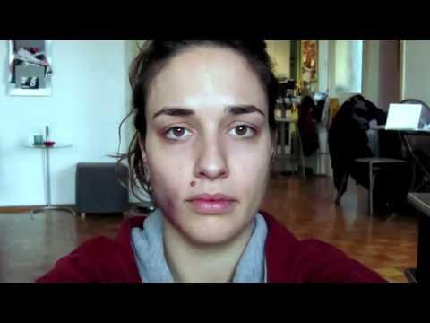 一位受到家暴的女性紀錄下每天生活的樣子~請求大家救她!
