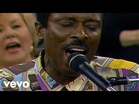 Bill & Gloria Gaither – Sanctuary [Live] ft. Jessy Dixon