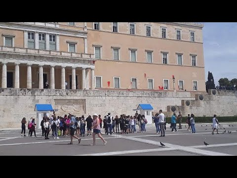 Επίθεση Ρουβίκωνα με μπογιές στην Βουλή των Ελλήνων