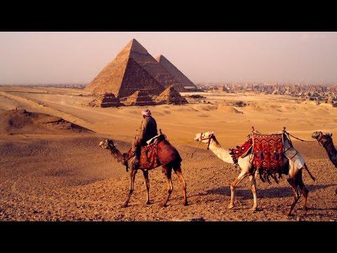 Explore the Pyramids of Giza with Goo...