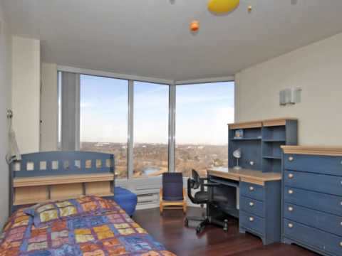 3 Bedroom, 3 Bathroom Condo in Downtown Toronto Panoramic Views For Sale
