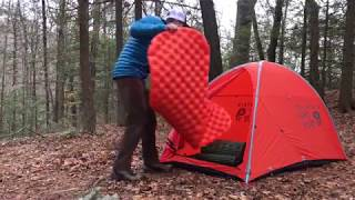 Video How To Sleep Warm At Camp In The Winter MP3, 3GP, MP4, WEBM, AVI, FLV Oktober 2018