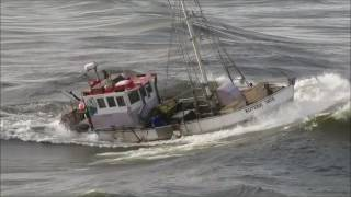 Video Copy of The- KUTERE- crossing the Greymouth  Bar,West Coast, New Zealand. (c). MP3, 3GP, MP4, WEBM, AVI, FLV September 2018