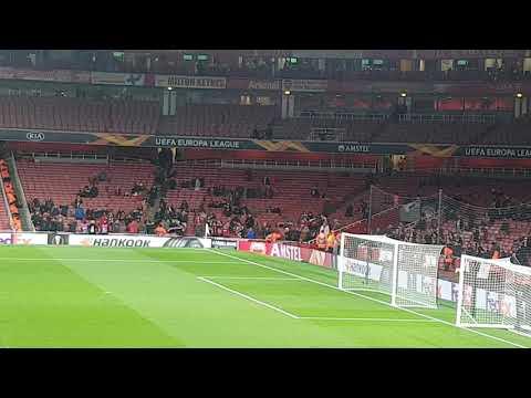 Video - Άρσεναλ - Ολυμπιακός: Οι Έλληνες οπαδοί στις εξέδρες του Emirates - ΒΙΝΤΕΟ