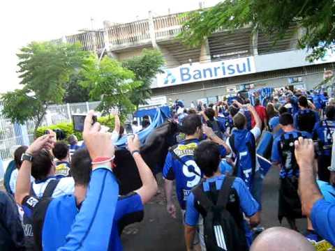 Gremio - Liverpool  02-02-2011 134.AVI - Los Negros de la Cuchilla - Liverpool de Montevideo
