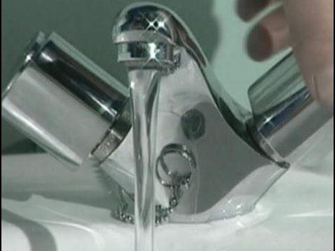 Cómo reparar un grifo que pierde agua por la rosca