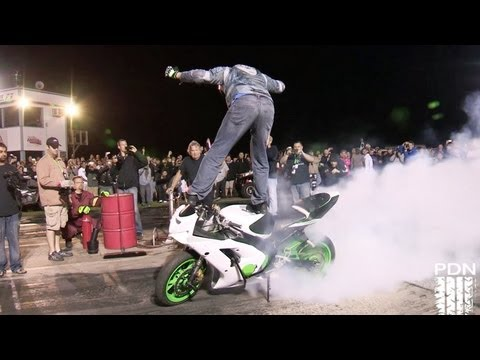 Burnout - Here's the entire burnout contest from TX2K13, there are some EPIC Fails in here! http://www.tx2k.com http://www.performancedrivingnetwork.com PDN Facebook: ...