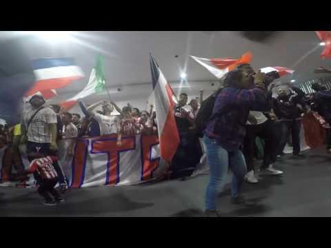 Recibimiento Chivas 14 Mayo 2016 AICM - La Irreverente - Chivas Guadalajara