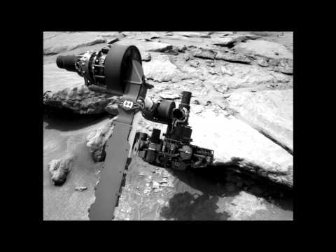 "Curiosity Spends the Holidays at ""Grandma's House"" Looking for a Rock to Smash – Video"