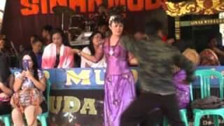 Khitanan Rafi   Bangreng Sinar Muda   Kasenian Sunda   di Desa Bangbayang sumedang Situraja   Wangsi
