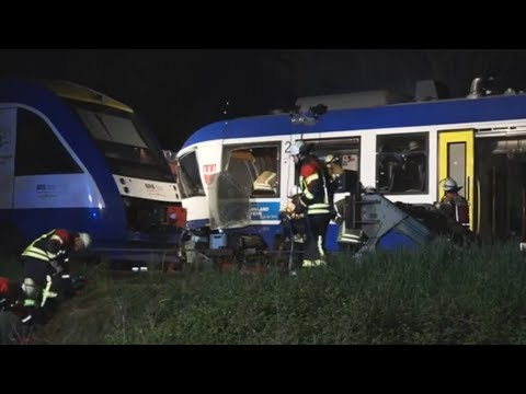 Aichach: Zwei Menschen sterben bei Zugkollision in Ba ...