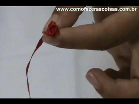 Como fazer uma florzinha de fita de cetim