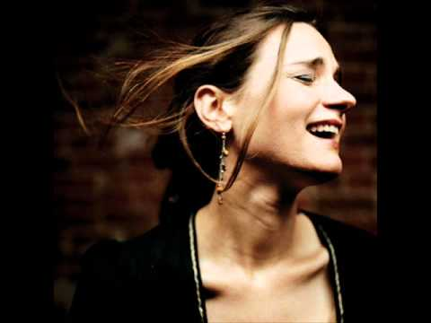 Madeleine Peyroux – Dance Me To The End Of Love