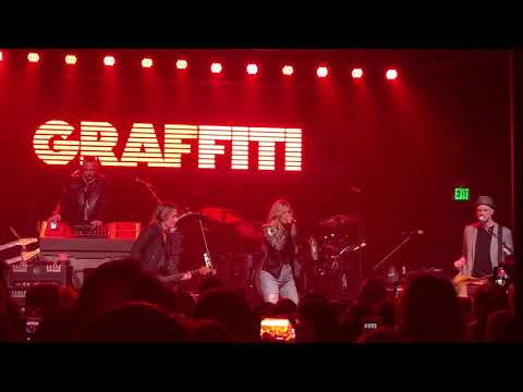 """Video Keith Urban and Kelsea Ballerini cover Camila Cabello """"Never Be the Same"""" download in MP3, 3GP, MP4, WEBM, AVI, FLV January 2017"""