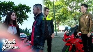 Video Boy Menendang Abis Churong Sampai Terjatuh [Anak Jalanan] [21 Oktober 2016] MP3, 3GP, MP4, WEBM, AVI, FLV Mei 2018