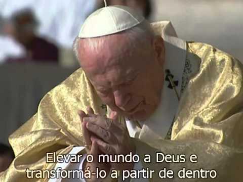 6 de outubro de 2002 - A Canonização de S. Josemaria em 2 minutos