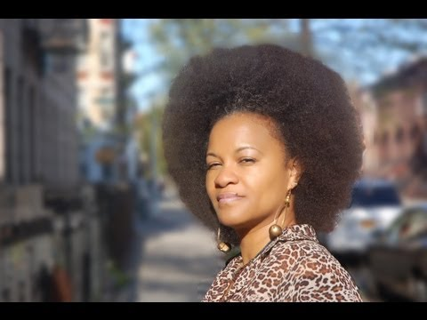 Afro - Before starting locs, I wanted to do a stretched Afro just one more time. Since I had a few questions over the year about how to make an afro, I decided to m...
