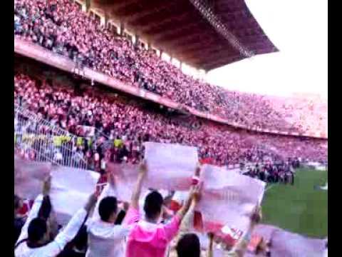 Alentando al Sevilla en el Ramón Sánchez Pizjuan