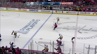 Watch as Evgeny Kuznetsov and Alex Ovechkin score back-to-back goals in the third period to put the Capitals up on the Penguins 4-2.