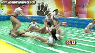 Garotas Brasileiras Sexy Jogando Futebol