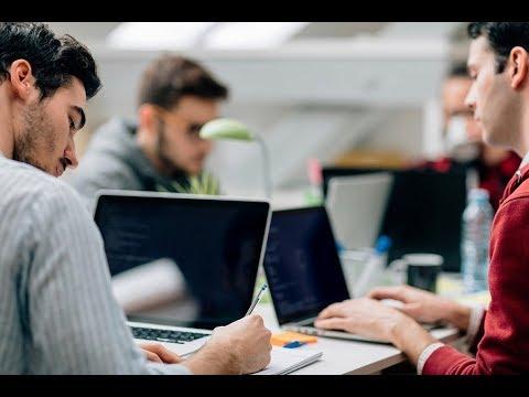 В России празднуют День программиста онлайн видео