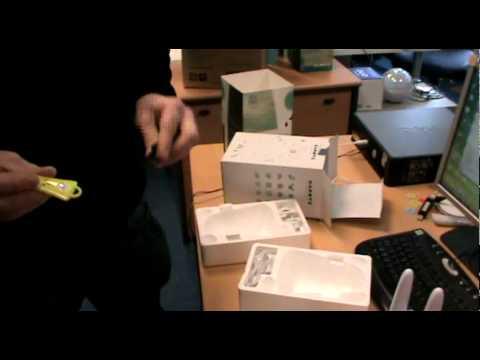 0 La vidéo du vendredi : Arnaud déballe le tout premier Karotz !