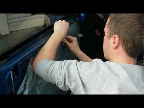how to remove vz door handles